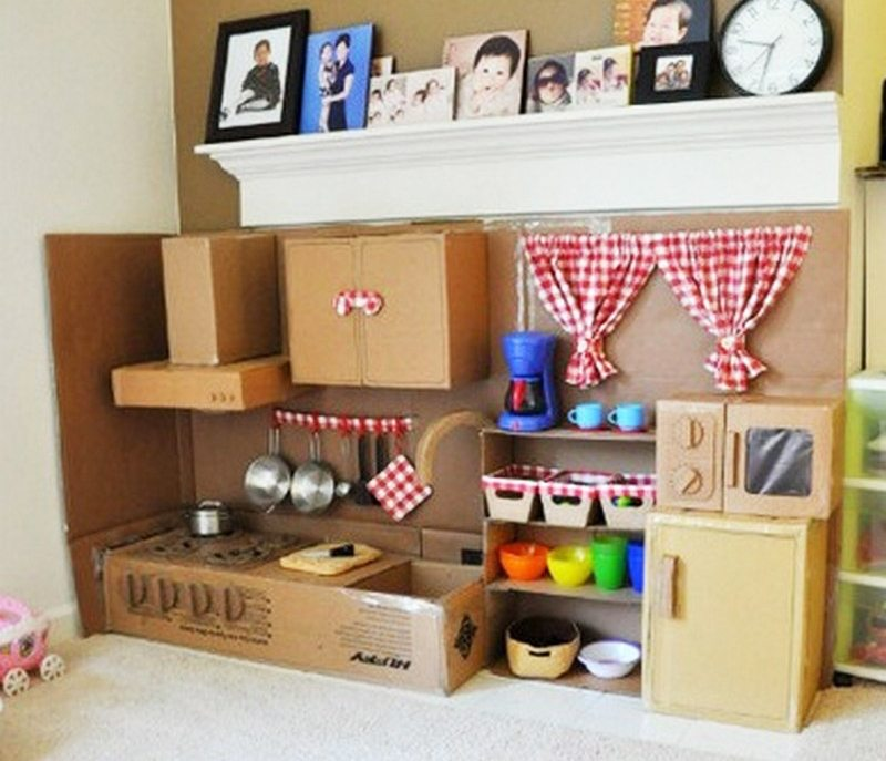 Mini Kitchen Room Box: DIY Cardboard Play Kitchen